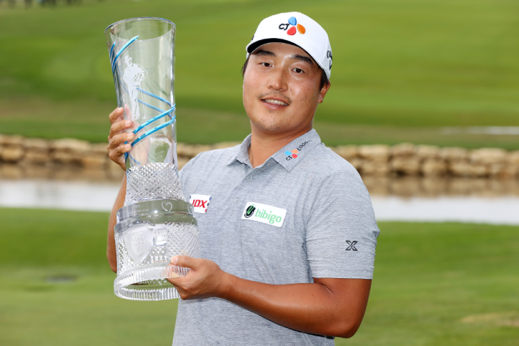 Lee Kyoung-hoon sponsored by CJ makes his first PGA win